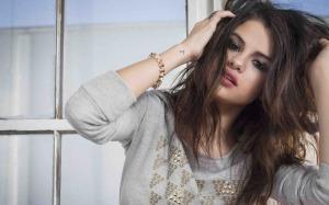 Selena-Gomez-2015-1