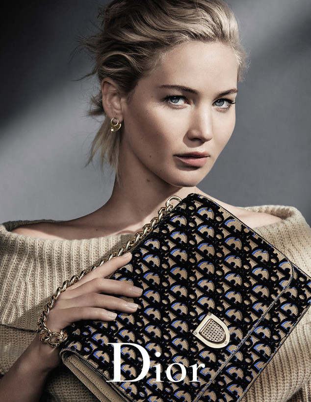 rs_634x821-160902100734-634-dior-jennifer-lawrence-cm-9216