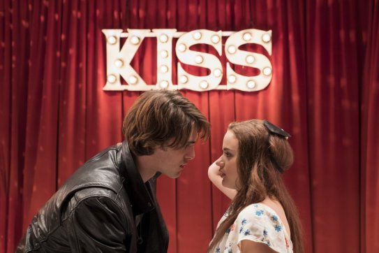 kissing-booth
